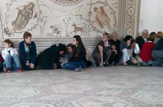 Attentato a Tunisi, si indaga sul giovane marocchino. I suoi professori:«In quei giorni era in Italia»