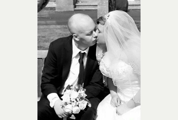 Malato di leucemia organizza il matrimonio in ospedale