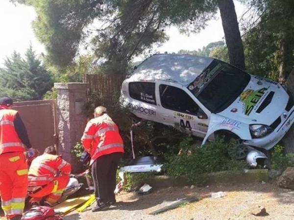 Incidente al Rally dell'Elba: auto finisce su spettatori, due feriti