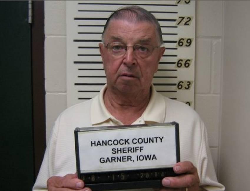 Henry Rayhons processato per stupro per aver fatto l'amore con la moglie malata di Alzheimer
