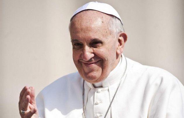 'Pronto sono il Papa!' e il malato gli sbatte per 2 volte il telefono in faccia