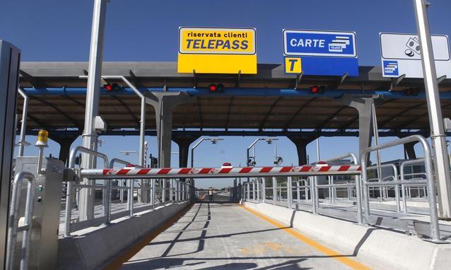 Pedaggi autostradali Italia: nel 2015 più cari del 70% rispetto a 15 anni fa