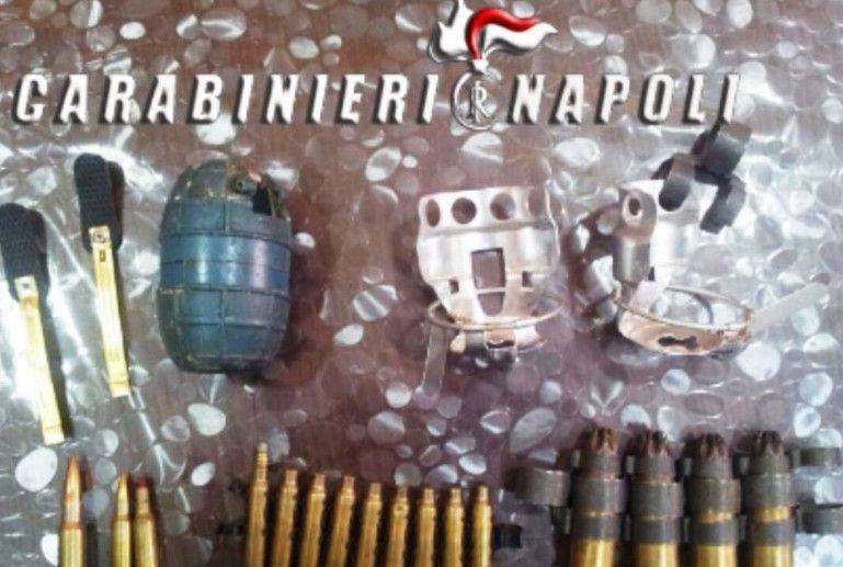 Armi da guerra e cartucce Nato in casa: arrestato un 24enne
