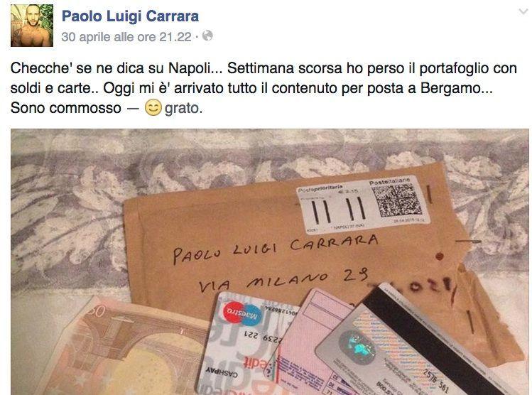 """Perde il portafoglio a Napoli, glielo spediscono a casa e posta la foto su Facebook: """"Sono commosso"""""""