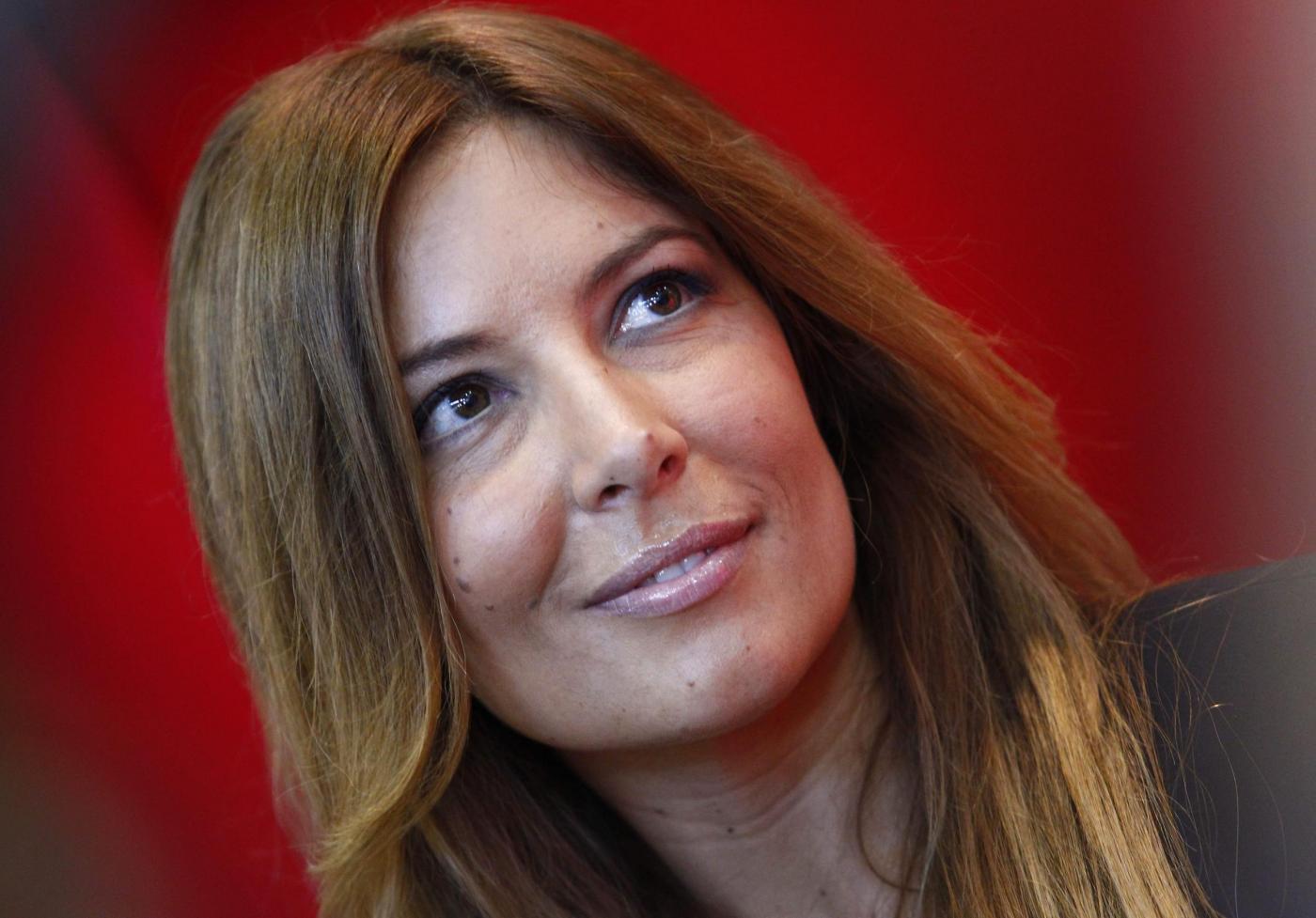 Selvaggia Lucarelli contro i talent show italiani: 'In giuria solo uomini o donne innocue'