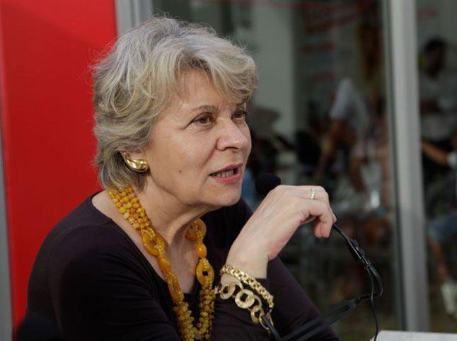 'La vigna di Angelica', il nuovo libro di Sveva Casati Modignani: trama e recensione