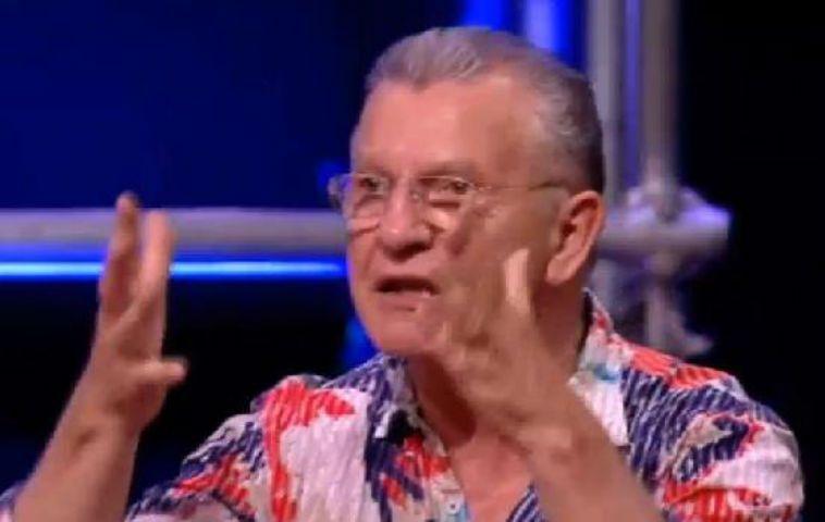 AnnoUno, Aldo Busi show: lo scrittore bacchetta vescovo e pubblico