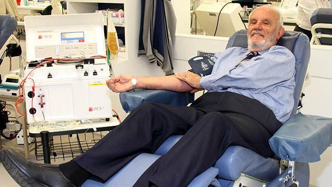 Il donatore di sangue che ha salvato oltre due milioni di bambini è andato in pensione