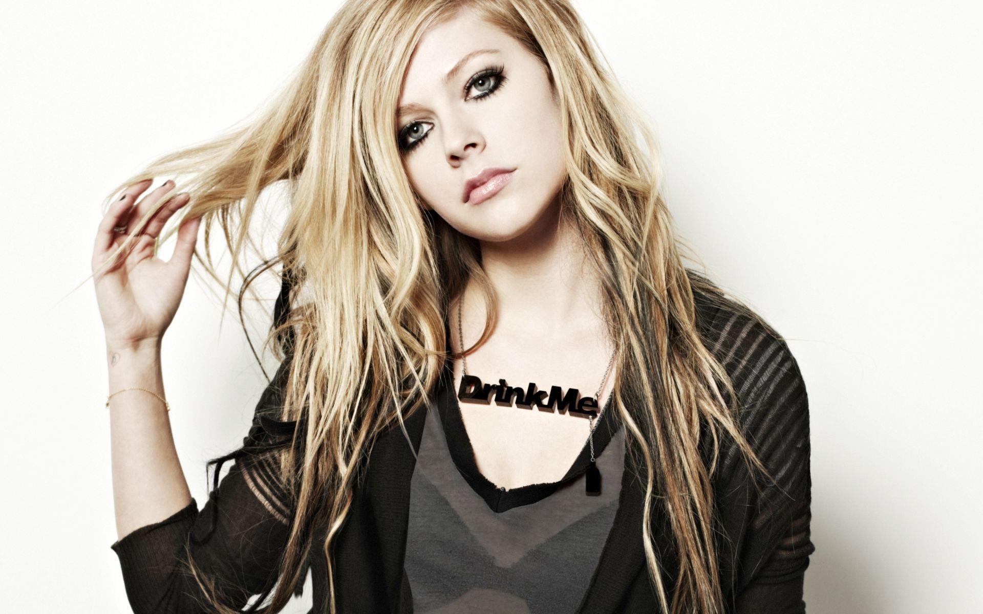 Avril Lavigne malata