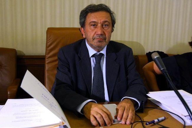 """Caso Azzollini, dal PD sì all'arresto, NCD minaccia il governo: """"Leggete le carte"""""""