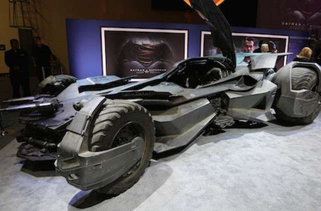 Batmobile della Batman v Superman