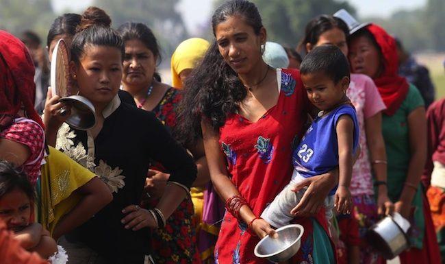 Falsi operatori umanitari adescano donne nepalesi
