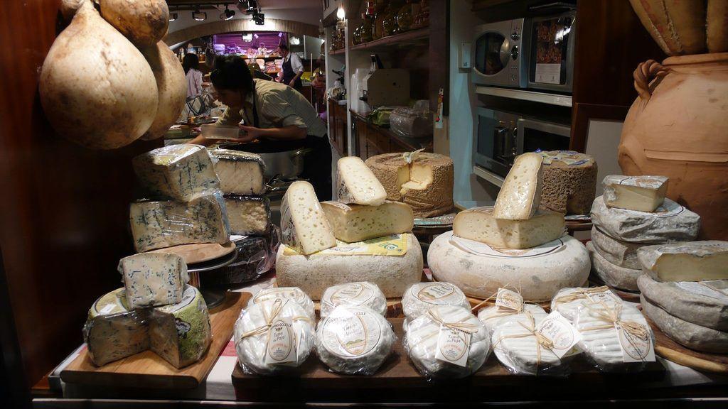 Formaggi di latte in polvere made in UE: l'Italia non ci sta