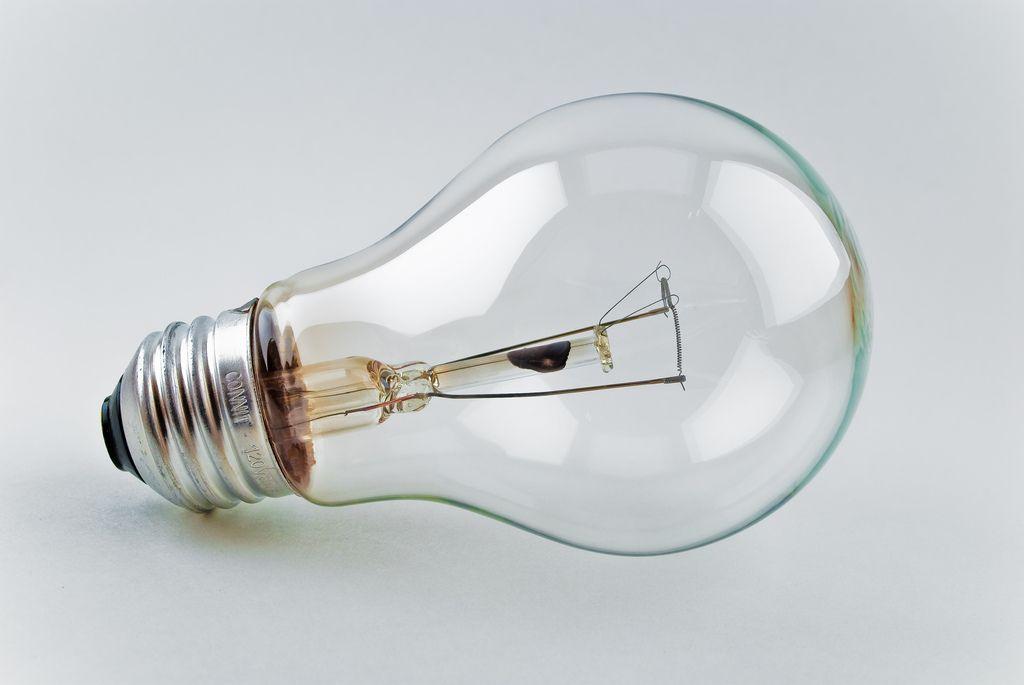 Riforma della bolletta elettrica: dall'anno prossimo chi consuma meno pagherà di più