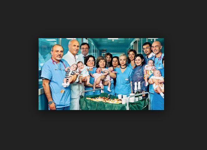 """Famiglia con sei gemelli, il papà è disoccupato: """"Abbiamo bisogno di lavoro"""""""