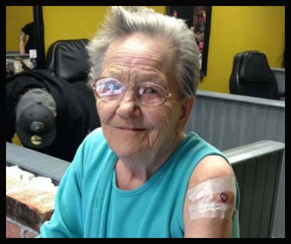 79enne fugge dalla casa di riposo per andare a tatuarsi