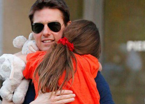 Tom Cruise lascia Scientology per amore della figlia Suri: verità o bufala?