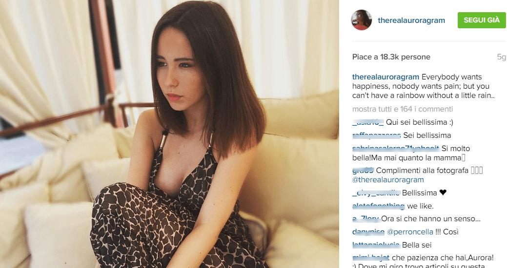 Aurora Ramazzotti mozzafiato su Instagram e al mare col fidanzato Edoardo Gori