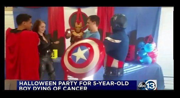 Bimbo malato terminale festeggia Halloween in anticipo con una festa piena di supereroi