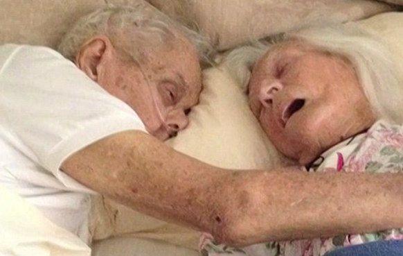 Anziani coniugi decidono di morire mano nella mano