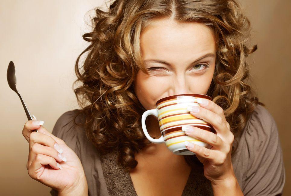 Quando bere il caffè? L'ora migliore secondo la scienza