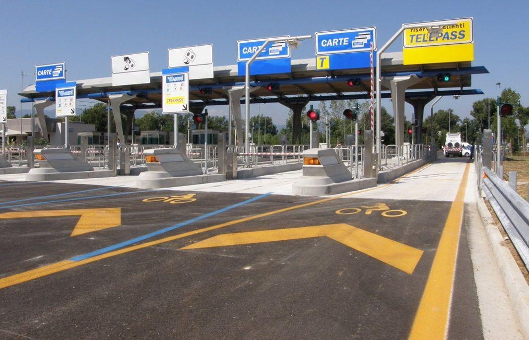 Autostrade gratis: è boom di stranieri che non pagano