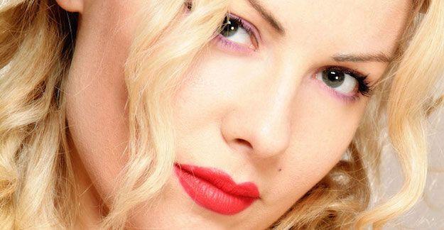 Stanza Selvaggia su M2O: l'imitatrice di Mara Venier chiama Lisa Fusco per uno scherzo