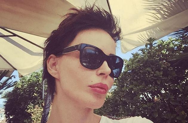 Nina Moric: dopo l'attacco social a Belén ci dà un taglio e cambia look