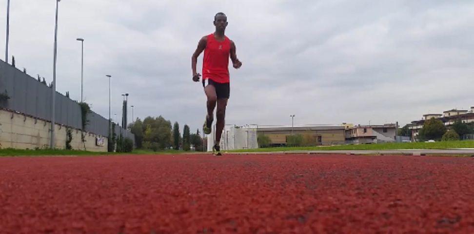 Profugo dalla Somalia corre alla maratona di New York: la (bella) storia di Ahmed