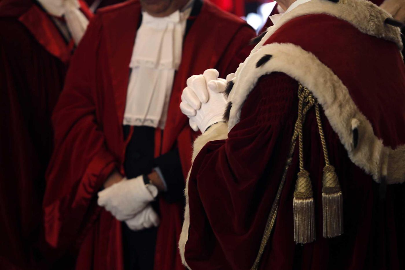 Quanto guadagnano i dipendenti pubblici? I giudici battono tutti