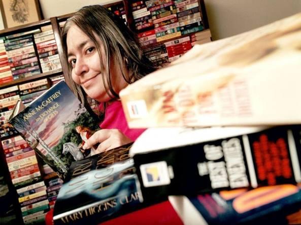 Muore a 63 anni Harriet Klausner, la top reviewer di Amazon