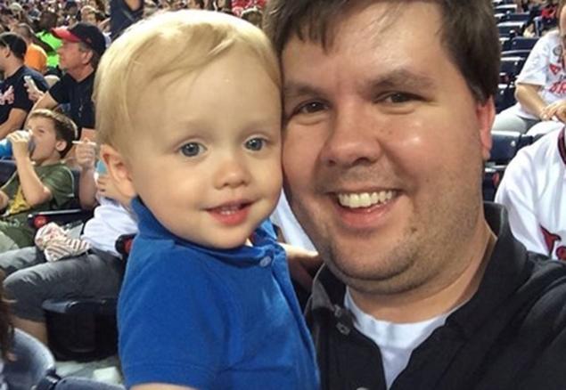 Uccide il figlio di 22 mesi, lasciandolo chiuso in auto: condannato all'ergastolo