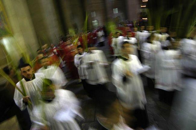 Omosessualità e Chiesa, un documentario brasiliano svela rapporti gay virtuali di 150 preti