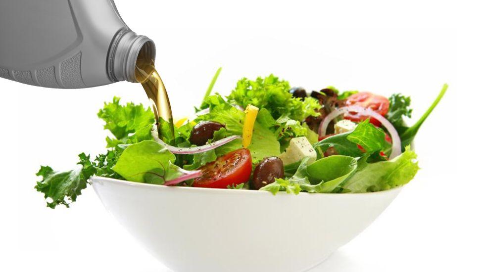 Olio su insalata