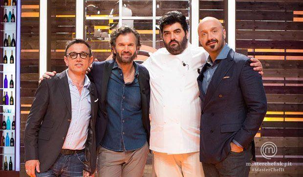 MasterChef Italia 5: Joe Bastianich introduce il nuovo giudice, Antonino Cannavacciuolo