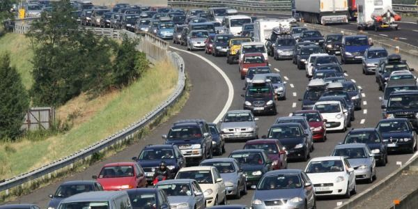 Sicurezza Stradale: in Italia solo 38% usa le frecce per svoltare