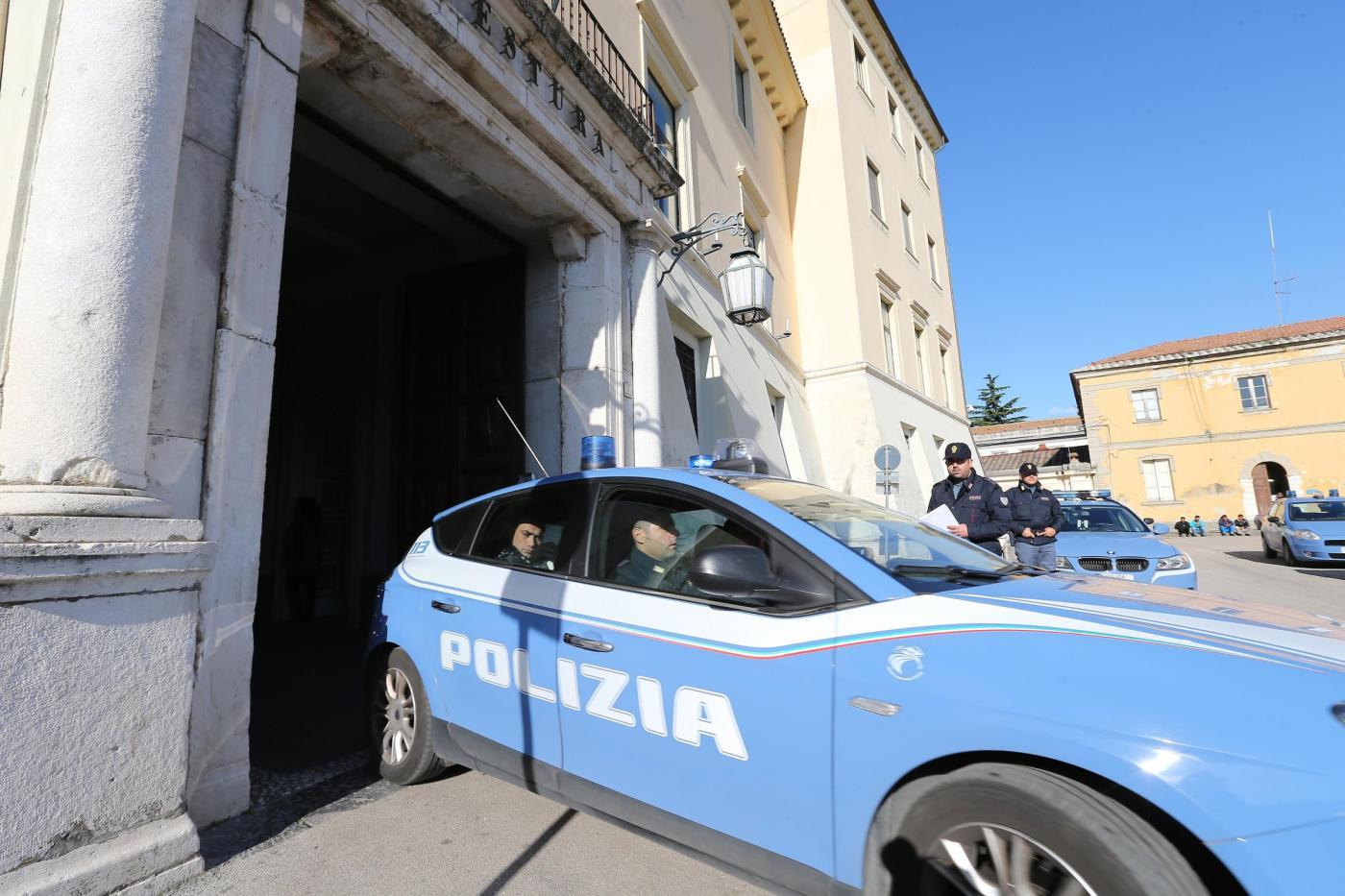 Polizia Caserta, uscita arrestati blitz Casalesi