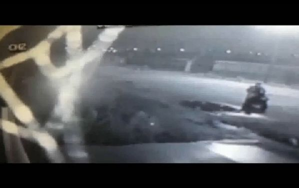 Lancia cani dallo scooter