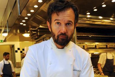 Carlo Cracco denunciato per aver cucinato un piccione a Masterchef: la risposta alla polemica