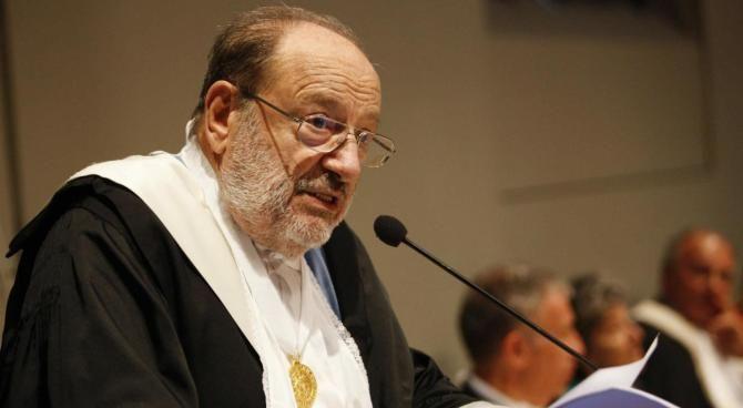 Umberto Eco, i detrattori: dall'Osservatore Romano alle 'legioni di imbecilli', chi 'odiava' lo scrittore