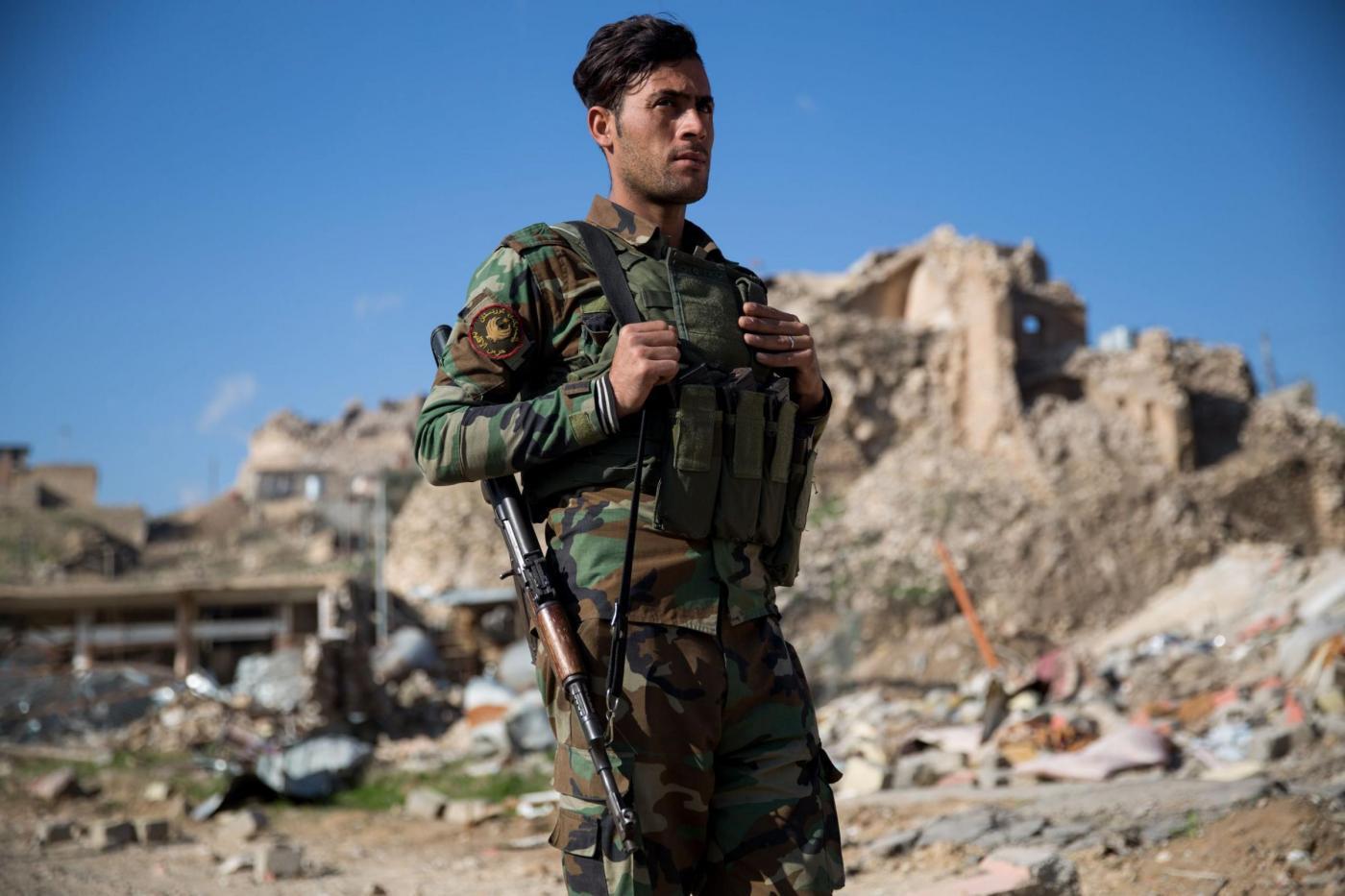 Guerra all'Isis, i curdi a Sinjar