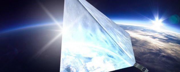 Satellite ultraluminoso