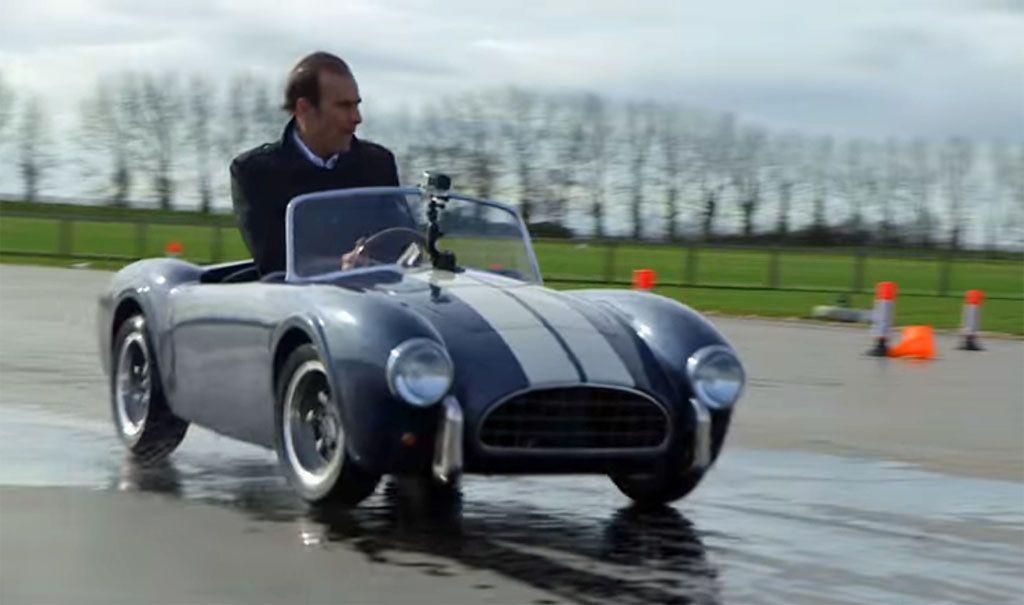 Campioni del passato si sfidano su auto per bambini