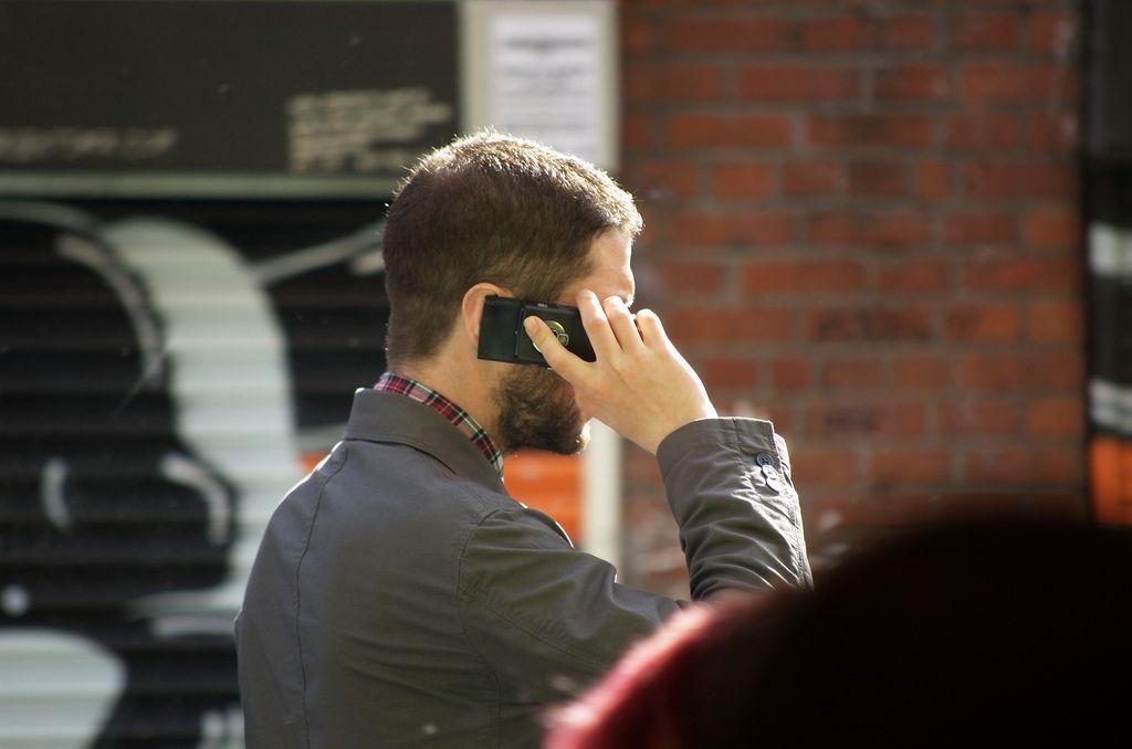 perché si dice pronto rispondendo al telefono