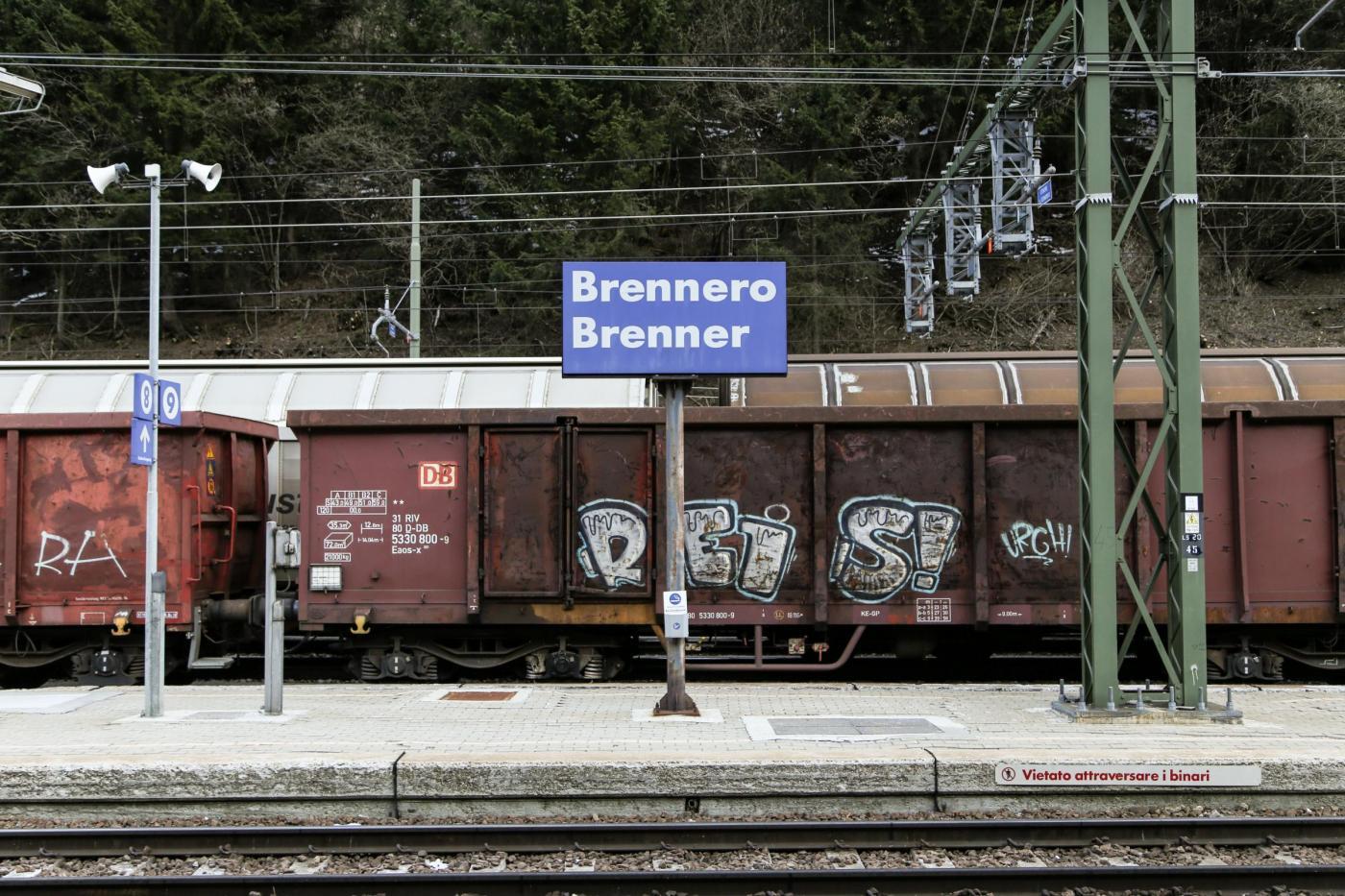 Reportage: Brennero con fiato sospeso mentre Austria insiste su chiusura confine