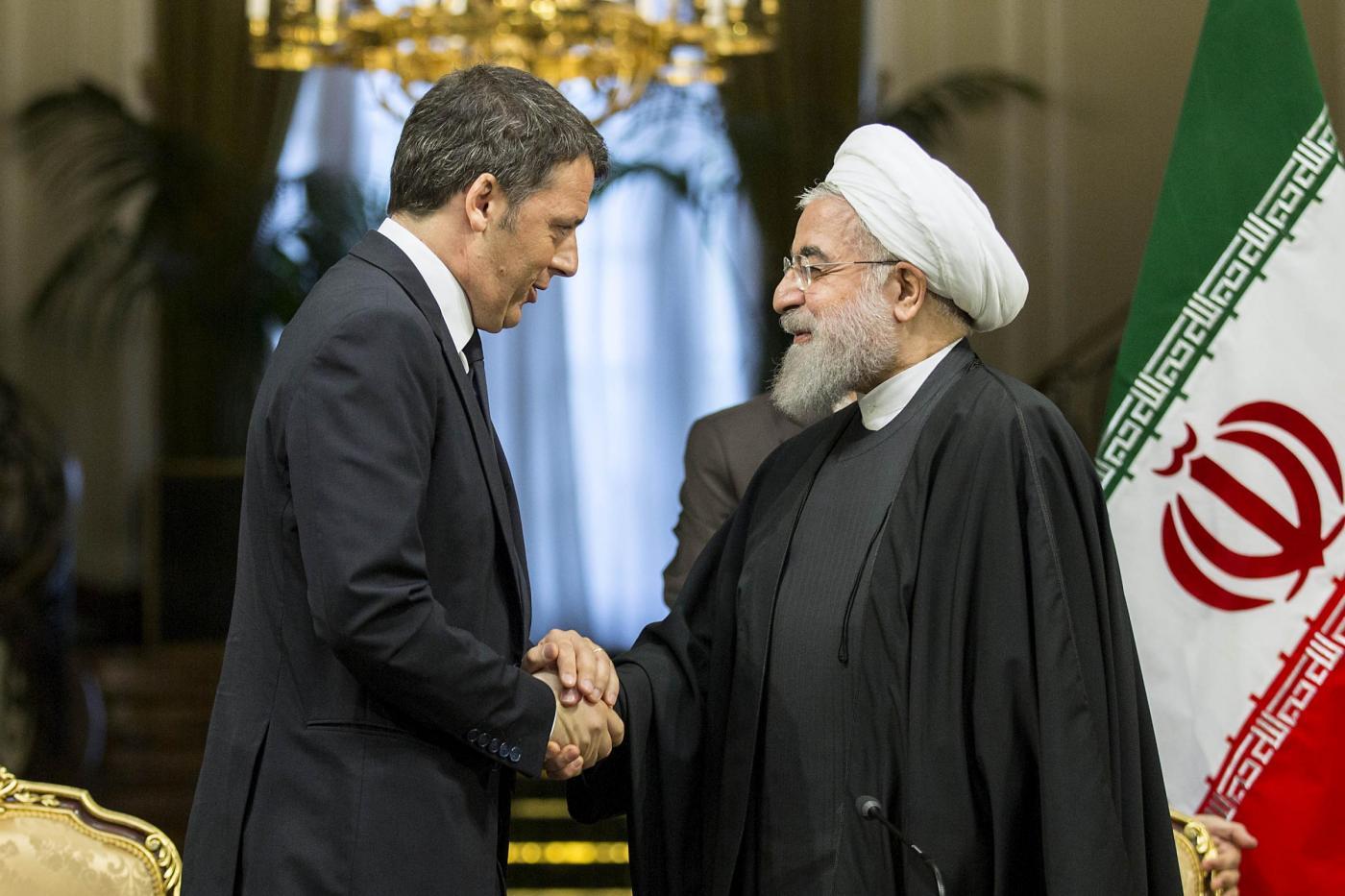 Hassan Rohani incontra Matteo Renzi a Teheran