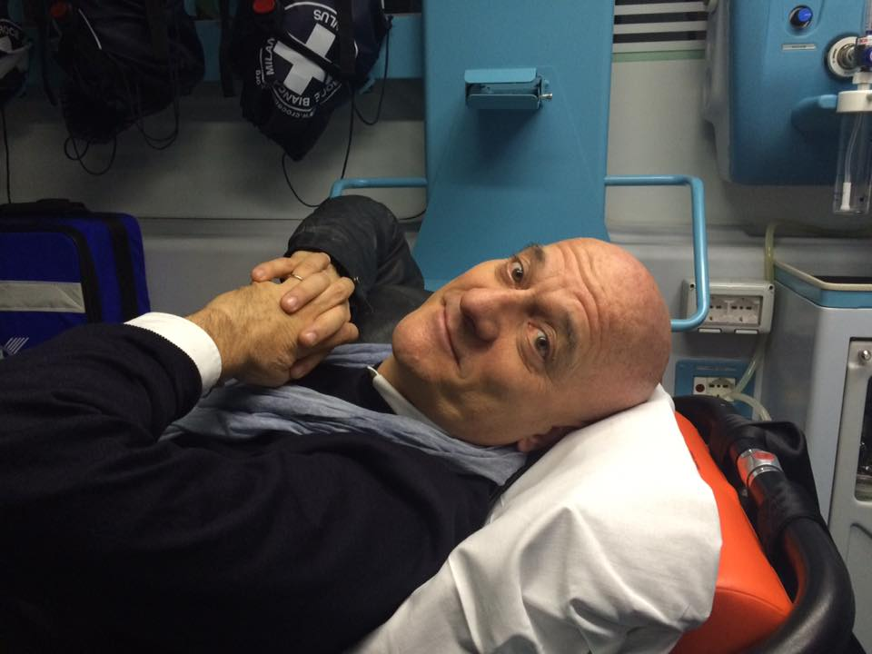 Claudio Bisio incidente in moto