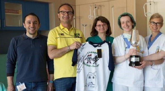 Rossi dedica trofeo di Jerez a bambino malato