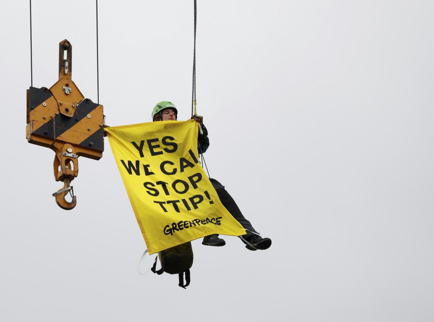 Migliaia in marcia ad Hannover contro TTIP