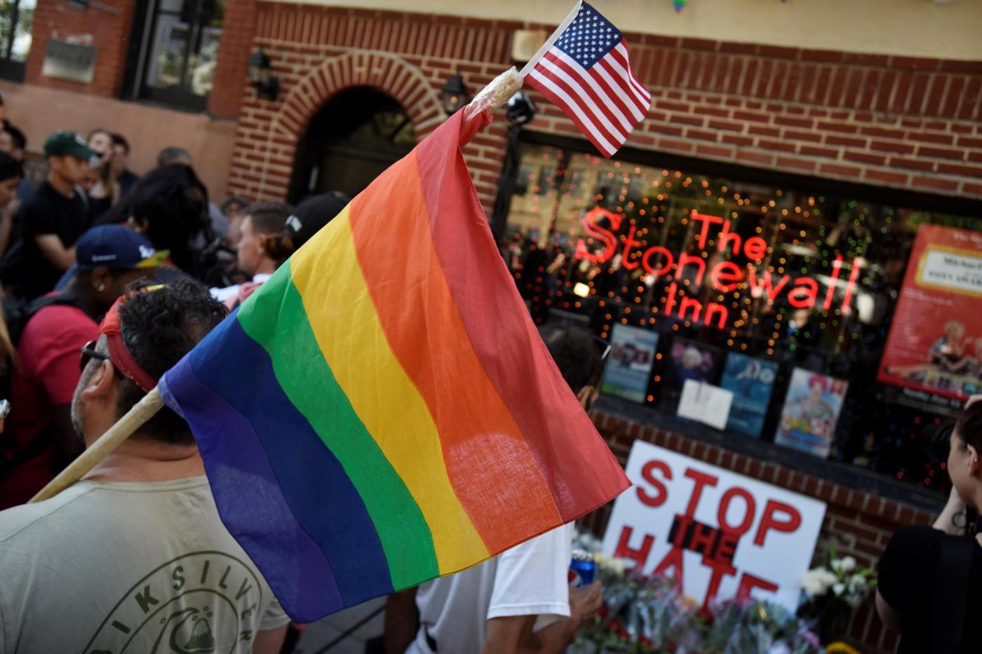 New York minuto di silenzio per le vittime della strage di Orlando